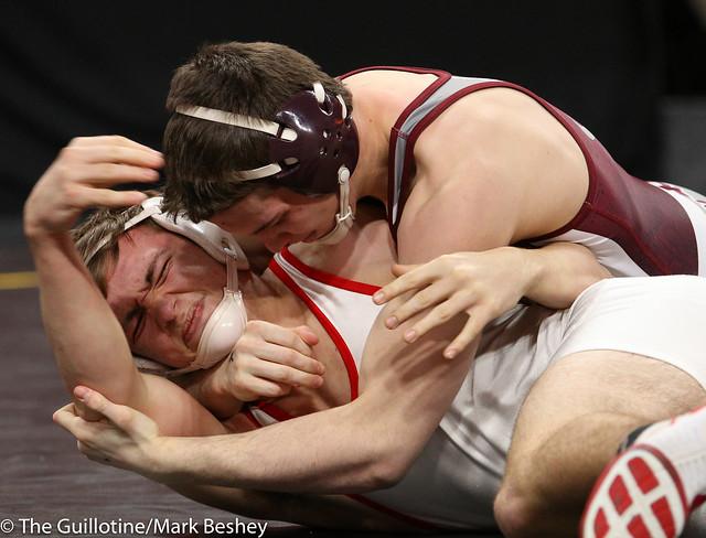 160 - Tyler Eischens (Anoka) over Ethan Roux (Willmar) Maj 12-0 - 180301cmk0072
