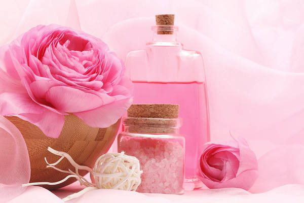 Pink_Spa_Background_with_Roses-600x400