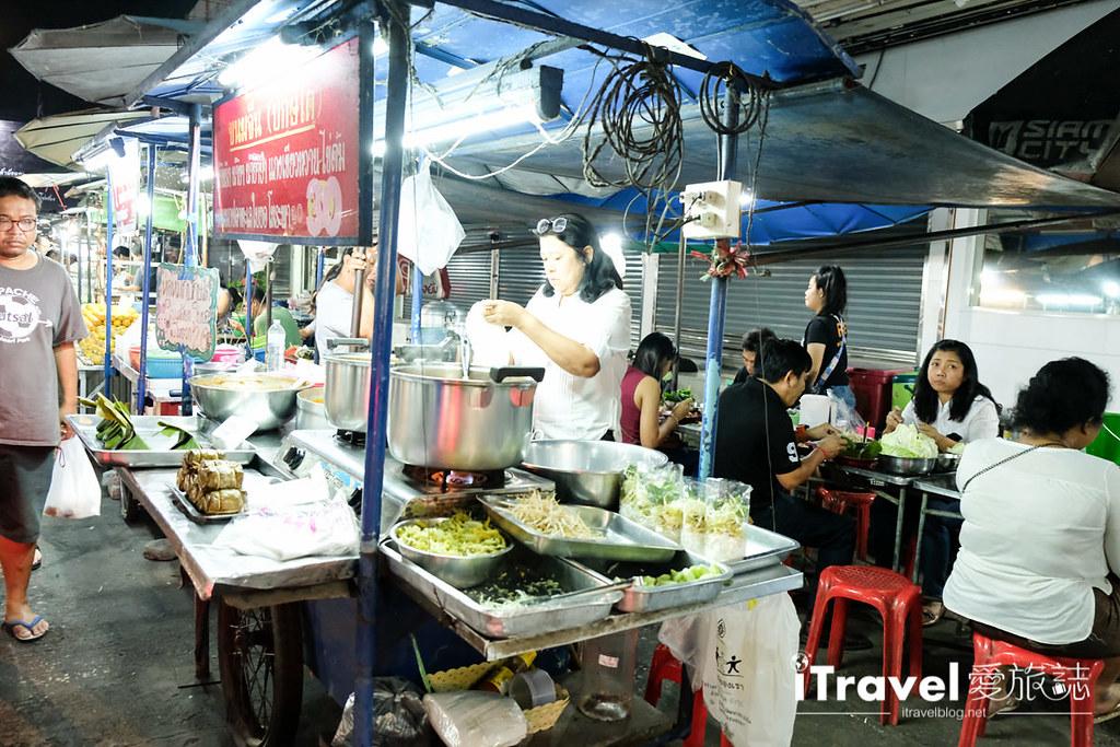 曼谷夜市推荐 查龙四夜市Chok Chai 4 Night Market (18)