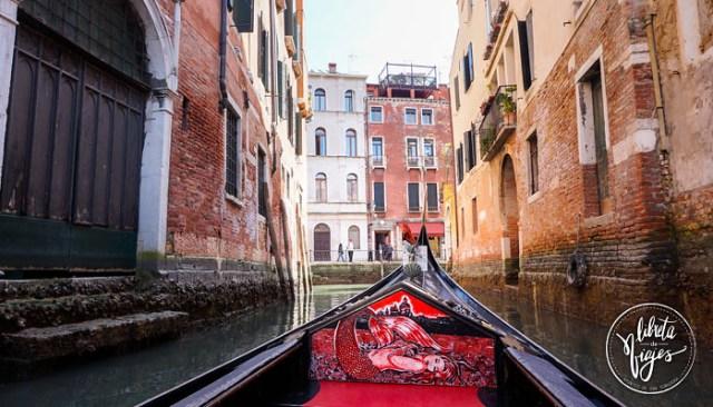 Ir a Venecia. Paseo en Gondola