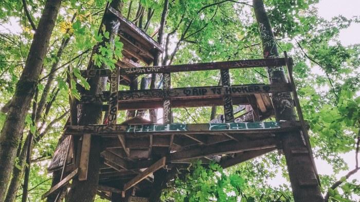 Vancouver's Hidden Hangouts - Secret Tree House in East Van