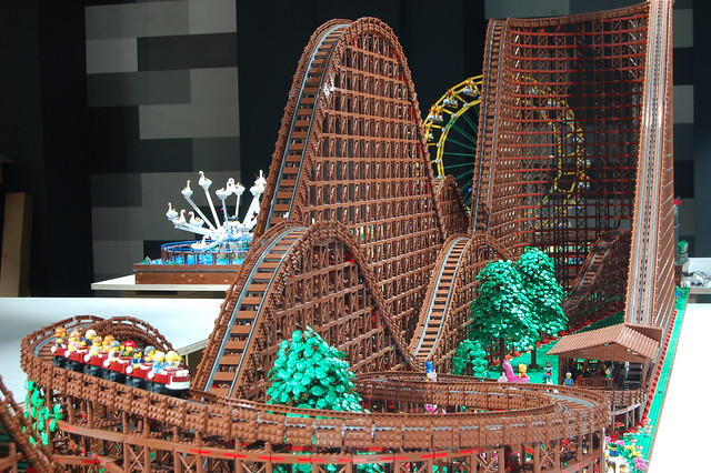LEGO Montagnes russes Rollercoaster