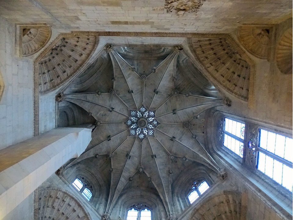 Catedral de Burgos Capilla de la Presentacion boveda estrellada y calada