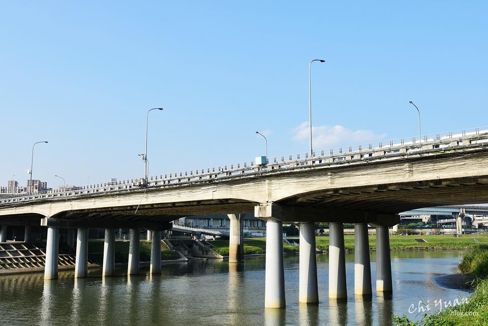 基隆河畔自行車道13.JPG