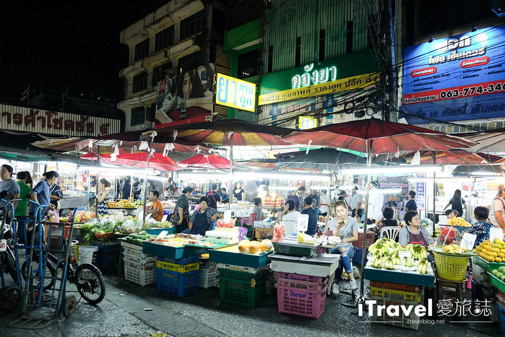 曼谷夜市推荐 查龙四夜市Chok Chai 4 Night Market (3)
