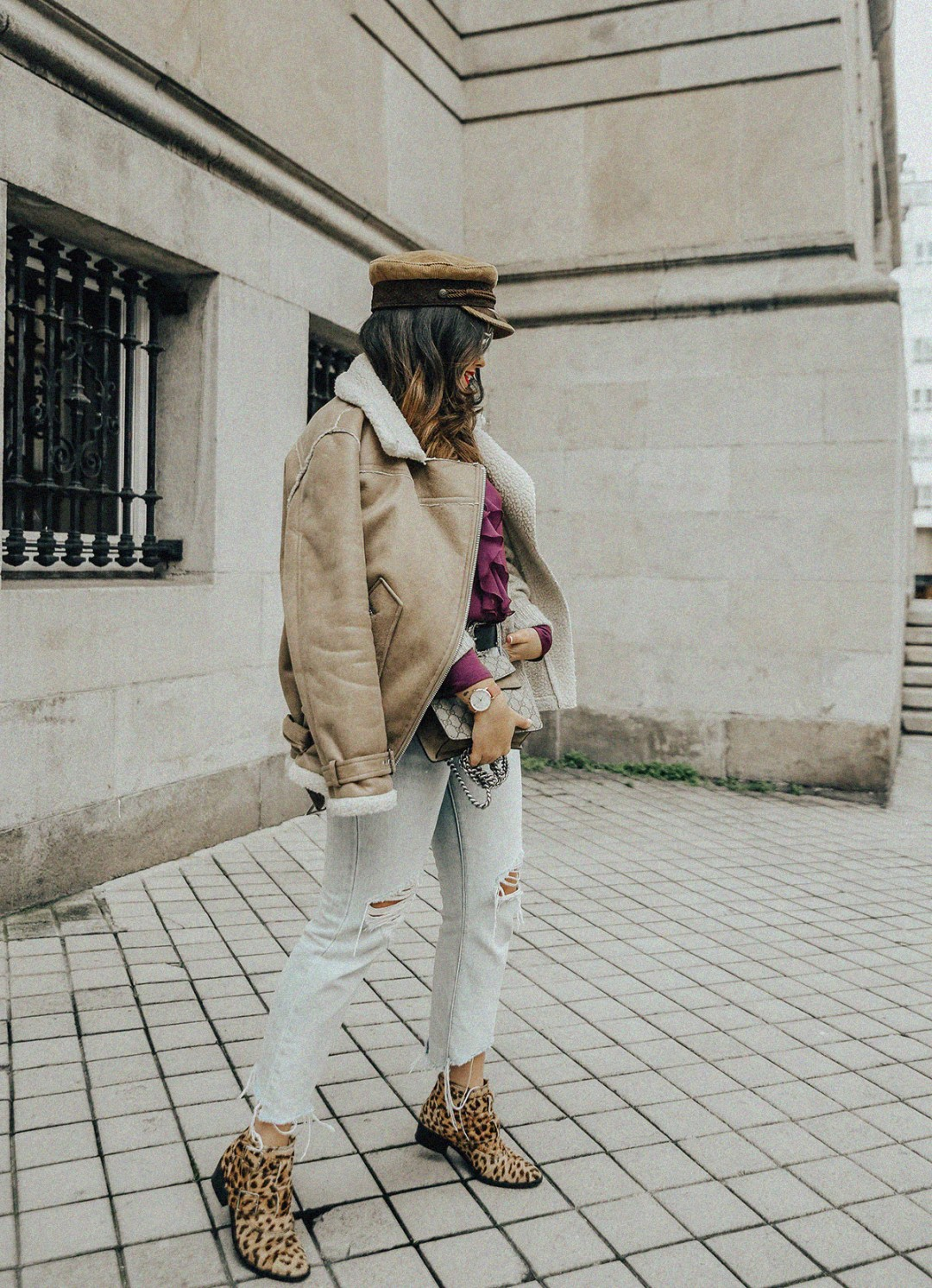 chaqueta-borreguillo-blusa-volantes-pipa-de-la-paz-myblueberrynightsblog6