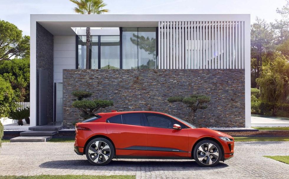 2019-Jaguar-I-Pace-40