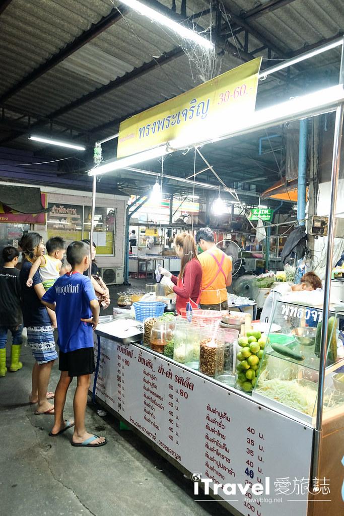 曼谷夜市推荐 查龙四夜市Chok Chai 4 Night Market (23)