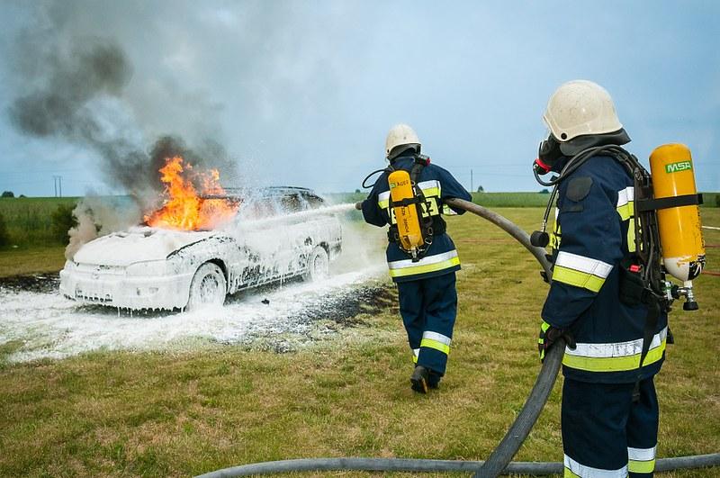 firefighter-484540_960_720