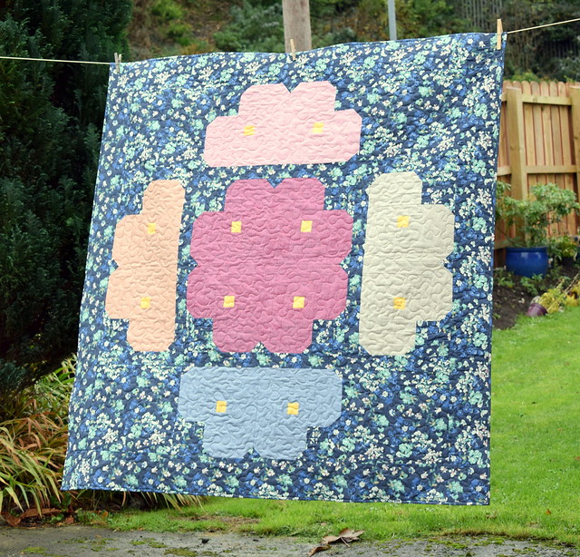 Log Cabin Bouquet Quilt (Popular Patchwork Feb18)