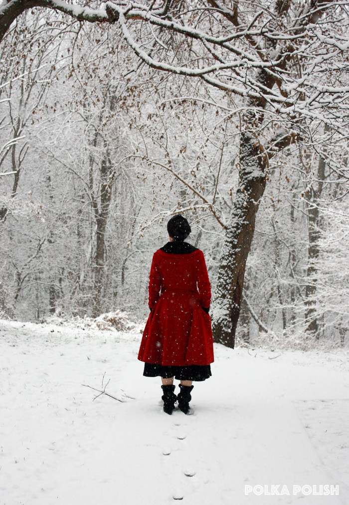 winter-snowstorm-red-black-1