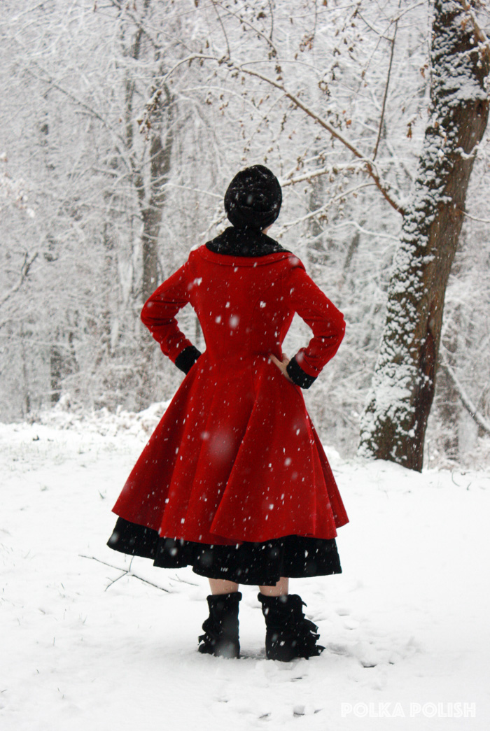 winter-snowstorm-red-black-4