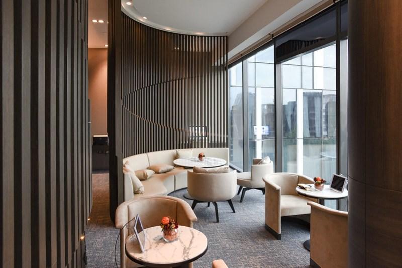 premier lounge - novotel singapore on stevens