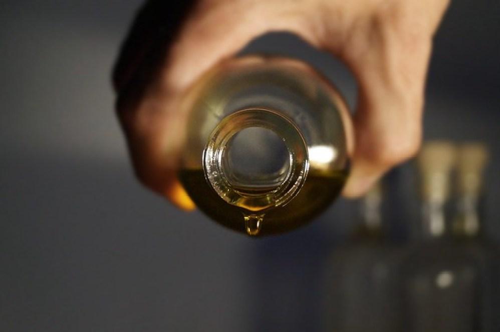 essential-oils-2918183_1920