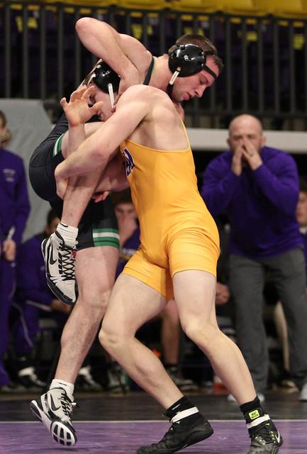 174: #1 Nick Becker (UWP) Dec. over Zach Johnston (MSU) 13-8 | UWP 13 – MSU 12 - 180106amk0129