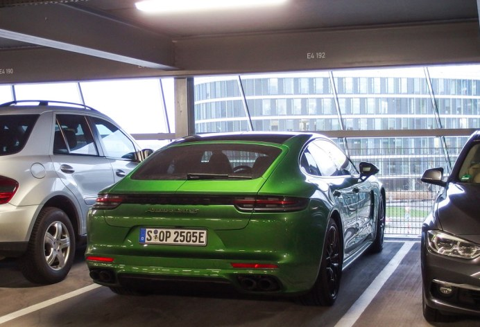 porsche-green (3)