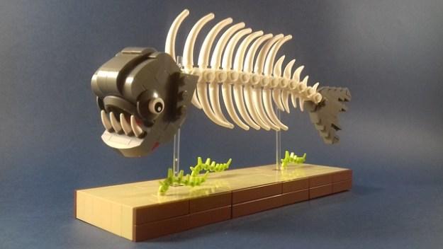 Lego piranha