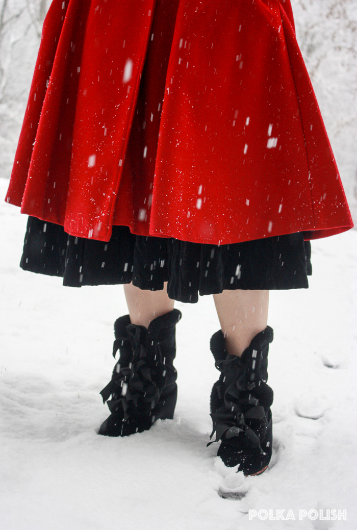 winter-snowstorm-red-black-7
