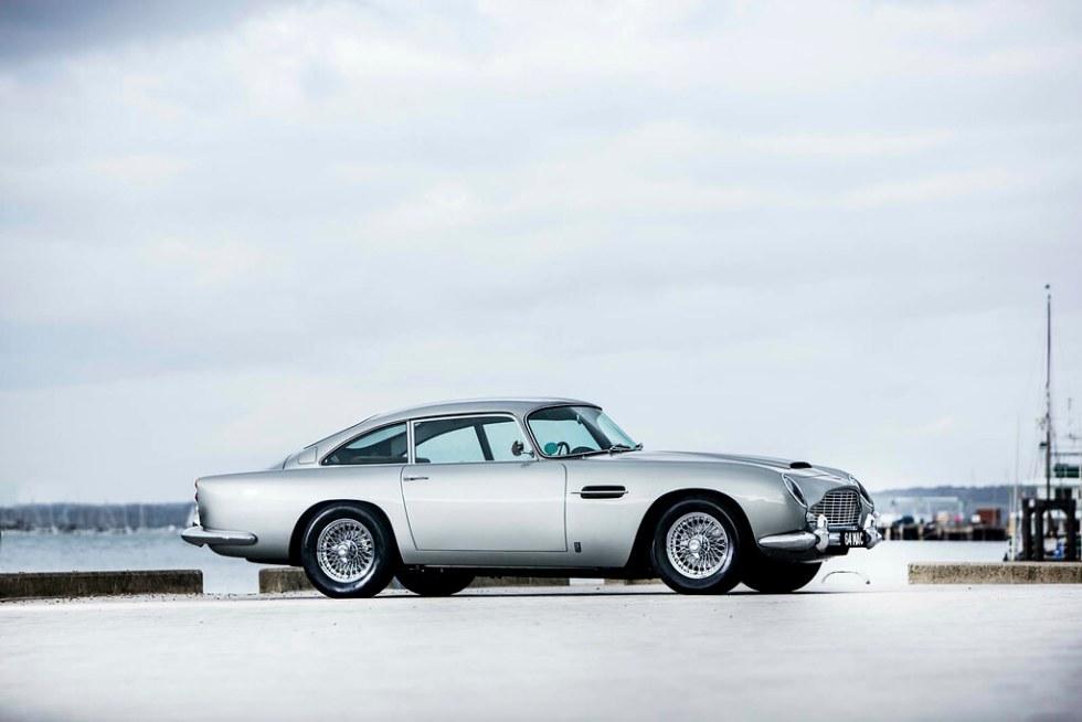 Aston-Martin-DB5-Mini-Cooper-3