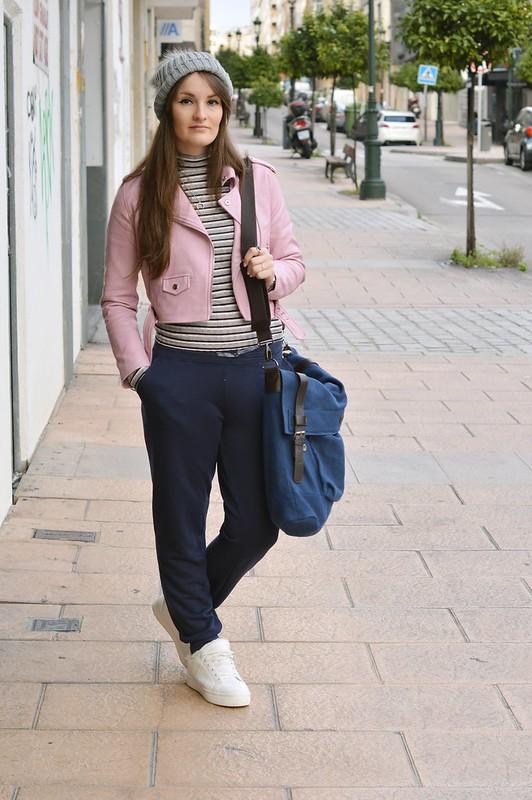 Outfit-blue-joggers-luz-tiene-un-blog (1)