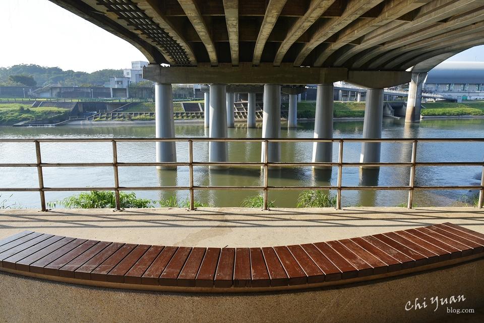 基隆河畔自行車道15.JPG