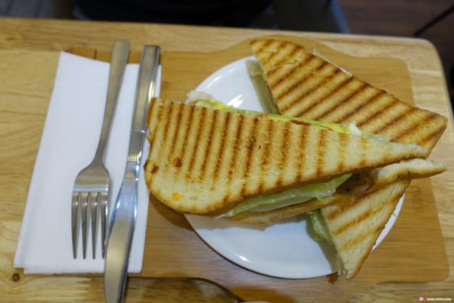 Wish希望早午餐,Wish綠茶,平價早午餐,摩卡咖啡,新民老街,桃園美食,燻雞乳酪厚片,豬排起司蔬菜帕尼尼 @VIVIYU小世界