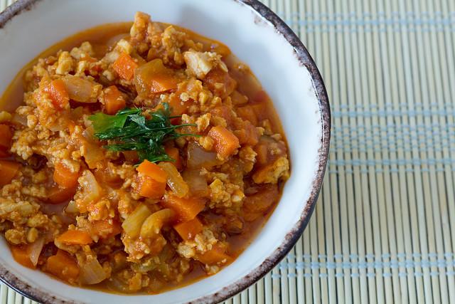 Salsa boloñesa con tempeh y soja texturizada