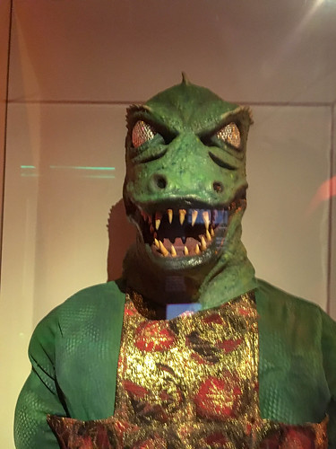 Gorn Outfit and Mask-001