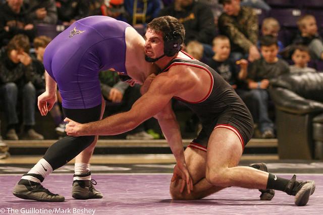 197: #9 Matt Blome (MSU) Dec. over #6 Vince Dietz (SCS) 5-1   MSU 13-9 SCS - 180203amk0186