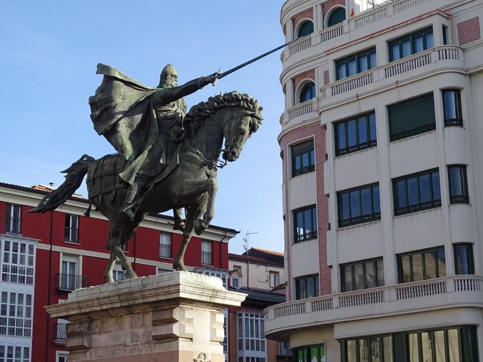 Burgos Plaza y estatua ecuestre del Cid El Burgos de Mio Cid 01