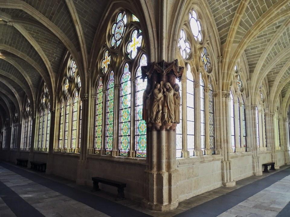Catedral de Burgos Claustro Alto escultura la Anunciacion pilar angular claustro alto 01