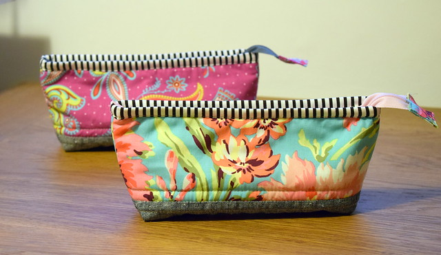 Small Lola Pouch Gifts Dec17