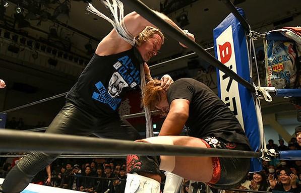 Chris Jericho Attacks Tetsuya Naito in New Year Dash