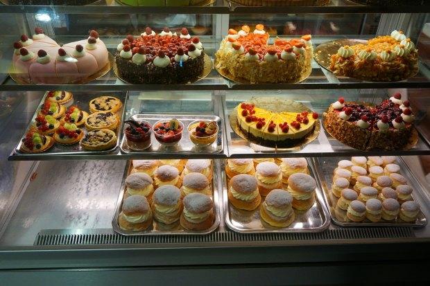 Malmö - Swedish cakes at Hollandia