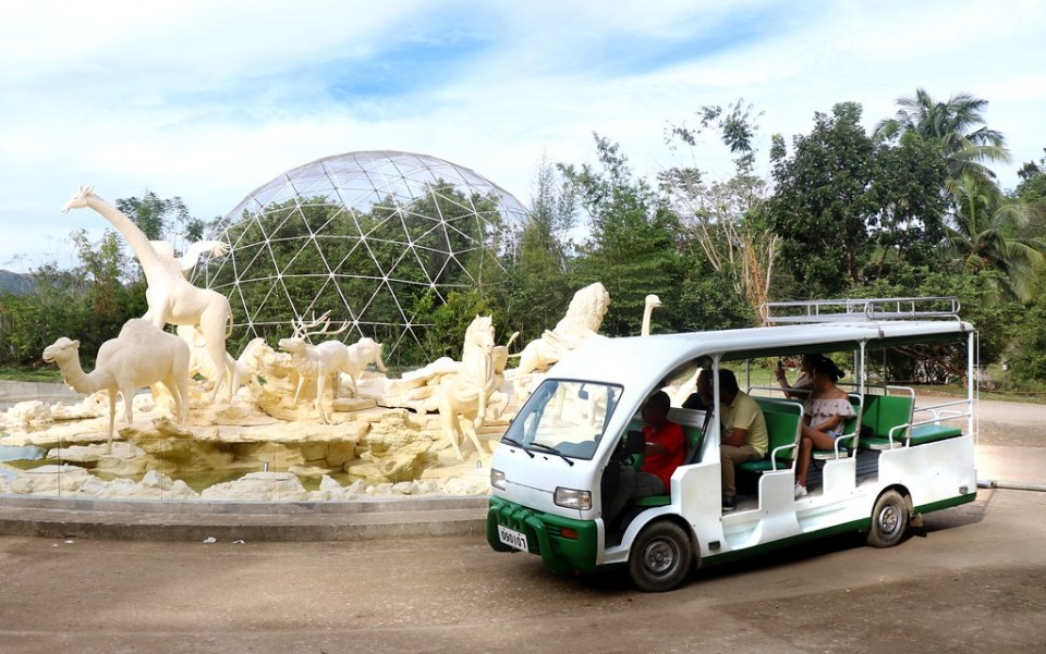Aviary & Safari Fountain - Cebu Safari & Adventure Park