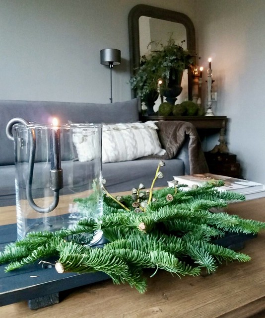 Kersttuk windlicht op salontafel
