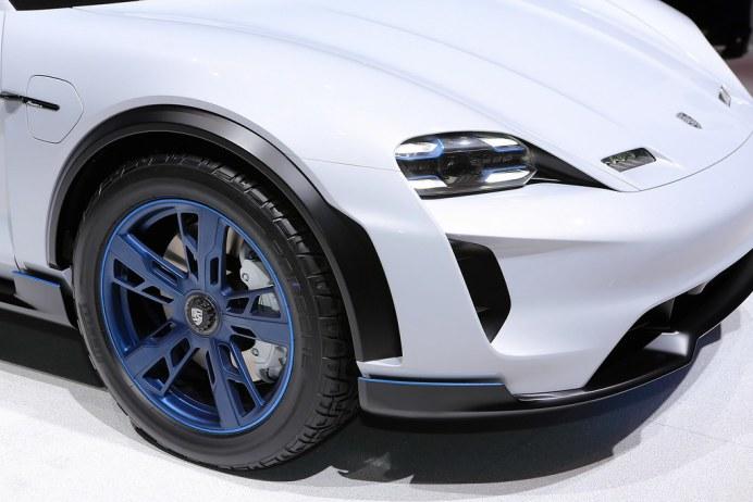 Porsche-Mission-E-Cross-Turismo-Concept-1