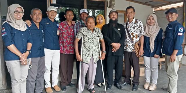Tim Monitoring Coklit KPU Tulungagung yang di pimpin David Hartanto ke persatuan tuna netra Indonesia (Pertuni) Tulungagung (21/1)