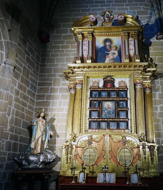 Retablo de las reliquias Capilla de San Martin Catedral de Santa Maria La Real Pamplona