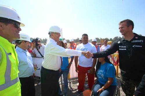 Presidente Kuczynski, inspecciona los avances de las obras de construcción de la Villa de Atletas de los Juegos Panamericanos y Parapanamericanos - Lima 2019.