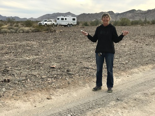 Quartzite Linda iwth trailer