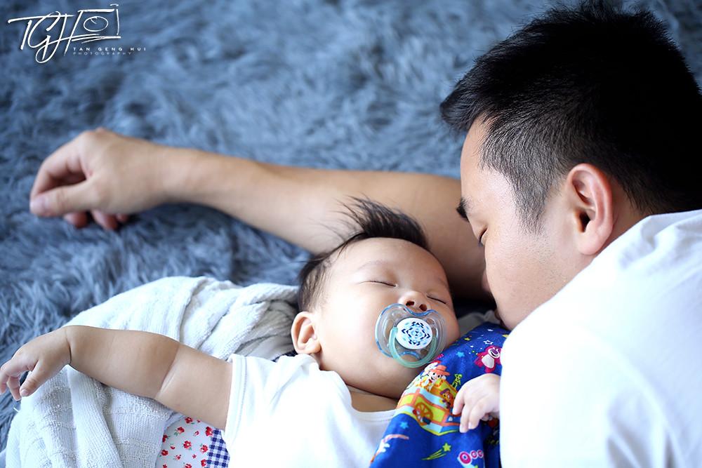 baby Kayden and dad