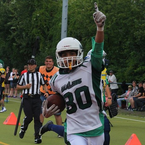 #tbt #berlinbullets #homefield #celebration #touchdown #return #sixpoints #brandenburgpatriots #widereciever #bullets #greenandwhite #greenandwhitearmy #bulletsfamily #win #homegame #homewin #ref #chaingang
