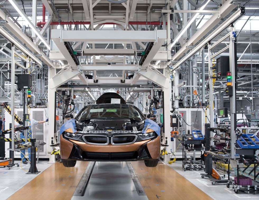 bmw-i8-roadster-production-01