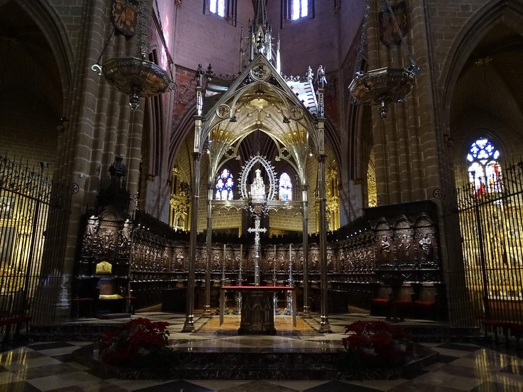 Coro renacentista en el presbiterio Catedral de Santa Maria La Real Pamplona 01