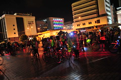 brunei_bsb_bicyclers-after-completing-the-circuit-around-bandar-seri-begawan-to-promote-a-limited-carbon-footprint-lifestyle_nizamrahman_7032321781_o