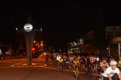 brunei_bsb_bicyclers-finish-their-circuit-around-bandar-seri-begawan-passing-by-the-main-clock-in-the-town-centre_salimsalleh_6886217916_o