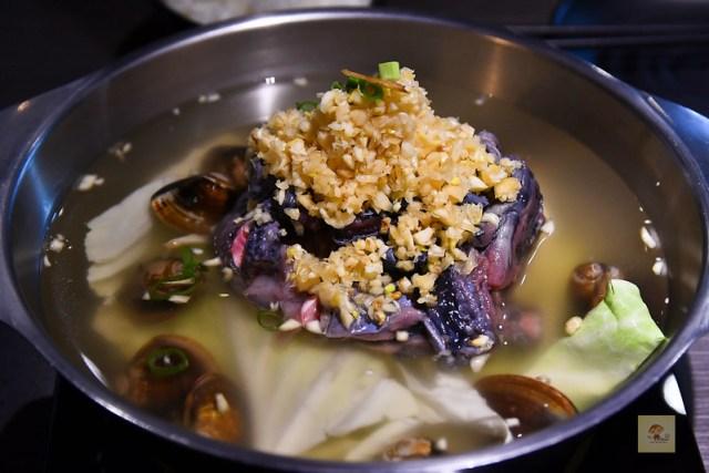 咾鍋風味鍋物, 台中美食, 台中火鍋推薦, 蒜頭雞
