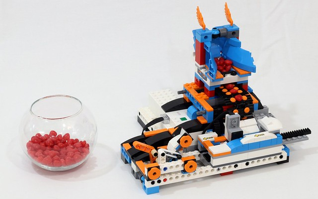 LEGO Boost catapulte à bonbons