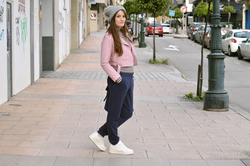 Outfit-blue-joggers-luz-tiene-un-blog (3)
